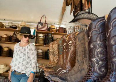 01-cowboystiefel-verkauf-trucker-countryfestival-interlaken-2019-web